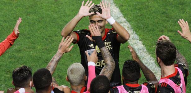 Diretor da Anvisa diz que Flamengo e Corinthians não tiveram cuidado