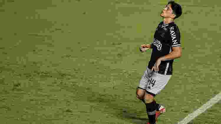 Cano, do Vasco, lamenta pênalti perdido contra o Brasil de Pelotas, em São Januário, pela Série B do Campeonato Brasileiro - Thiago Ribeiro/AGIF - Thiago Ribeiro/AGIF