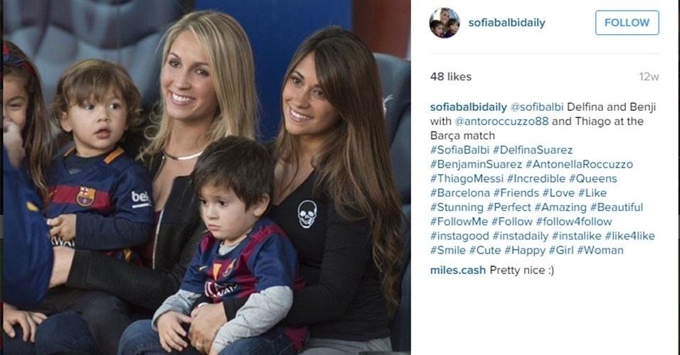 Sofia vai ao lado de Antonella Roccuzzo com os filhos ver o Barça