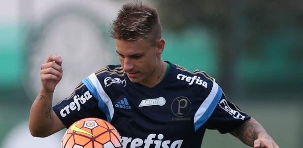 Róger Guedes participou dos últimos dois jogos do Palmeiras na temporada
