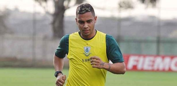 Lateral esquerdo campeão mineiro é o novo reforço do Cruzeiro para o Brasileirão