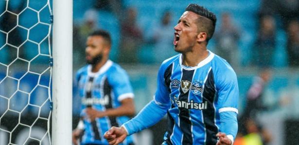 Lucas Barrios atuou pelo Grêmio em 2017 e foi campeão da Libertadores