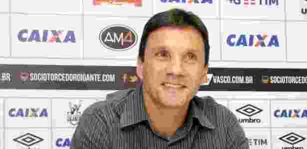 Técnico Zé Ricardo sorridente em sua apresentação no Vasco - Paulo Fernandes / Flickr do Vasco