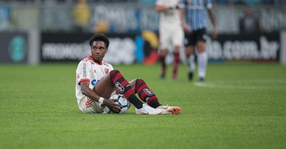 Vitinho, do Flamengo, na partida contra o Grêmio pelo Brasileirão