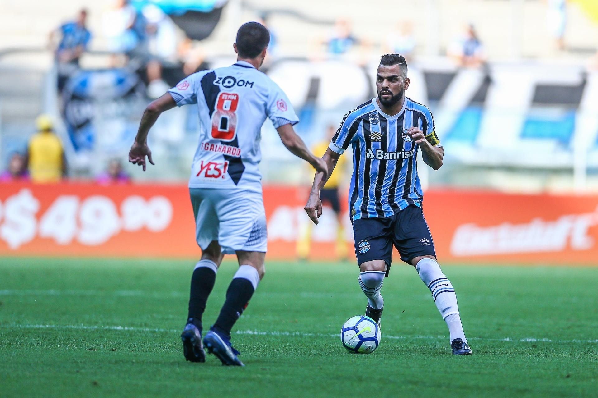 Grêmio vence com  frango  de Martín Silva e mantém Vasco perto da  degola   - Esporte - BOL 48808e1e13ee2