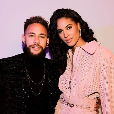 Neymar ao lado da modelo Cindy Bruna durante jantar beneficente em Paris - Reprodução/Instagram