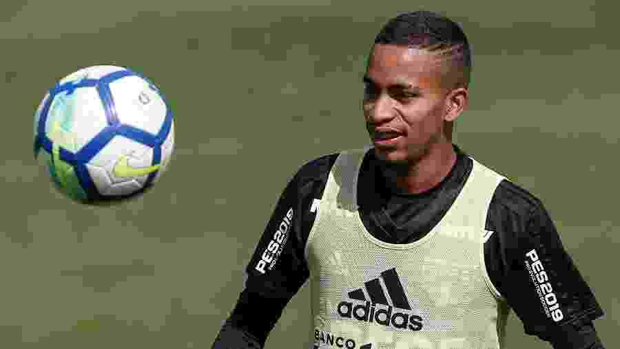 Paulinho Boia, atacante revelado pelo São Paulo, está procurando um clube no mercado da bola - Marcello Zambrana/AGIF
