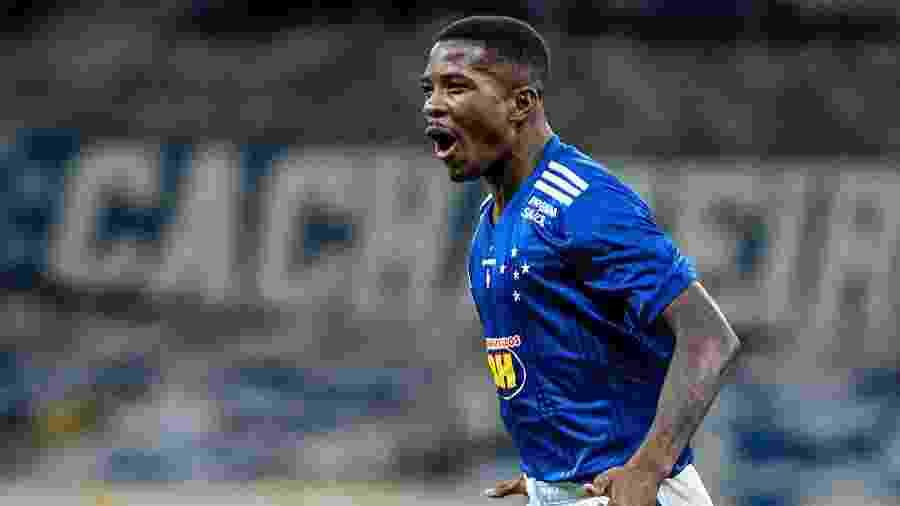 Cacá, zagueiro do Cruzeiro, celebra gol marcado diante do Botafogo-SP - Gustavo Aleixo/Cruzeiro