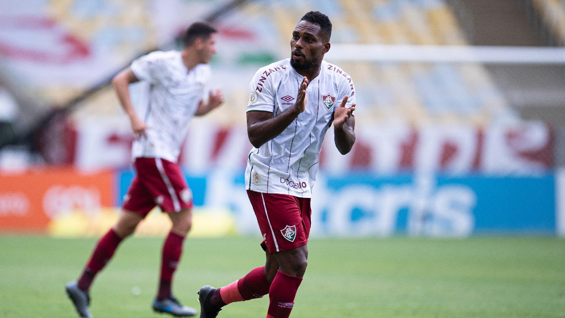 Luccas Claro comemora o gol do Fluminense contra o Santos