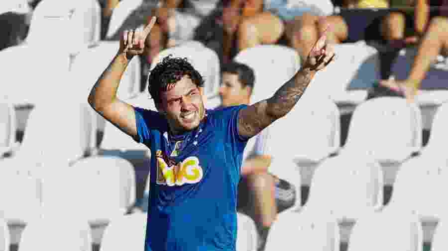Ricardo Goulart foi um dos destaques do bicampeonato brasileiro do Cruzeiro nesta década - Alexandre Schneider/Getty Images