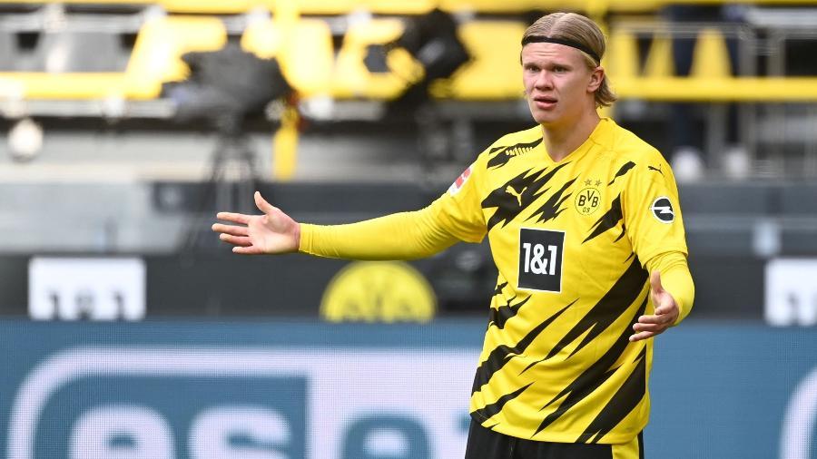 Haaland durante jogo do Borussia Dortmund contra Eintracht Frankfurt  - Ina Fassbender / POOL / AFP