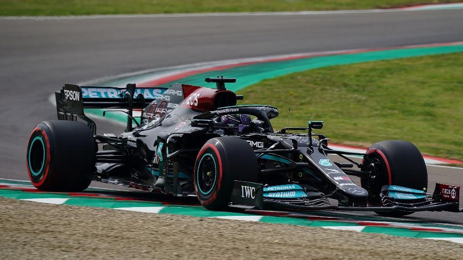 Lewis Hamilton, da Mercedes, que neste sábado conquistou a 99ª pole da sua carreira - dpa/picture alliance via Getty Images