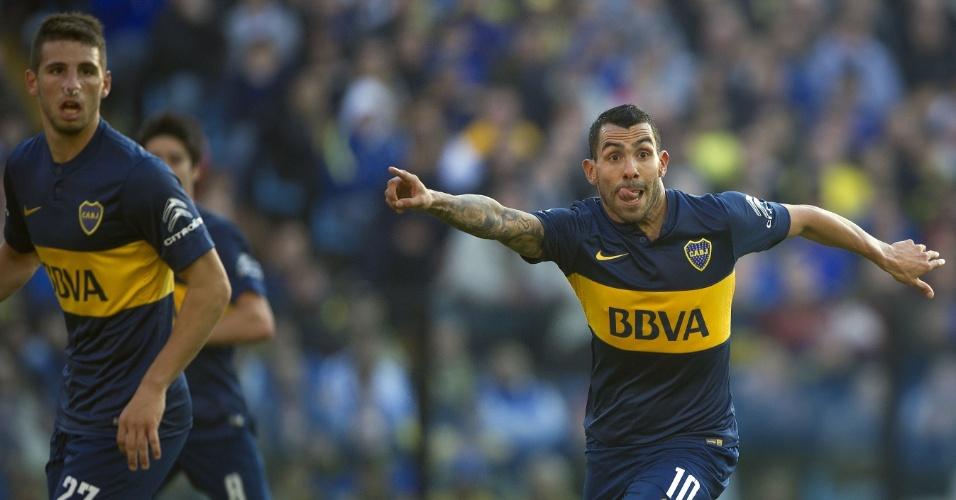 Calleri e Tevez em ação no confronto entre Boca Juniors e Quilmes, válido pelo Campeonato Argentino