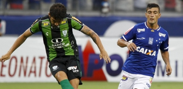 Meia uruguaio De Arrascaeta, em partida do Cruzeiro contra o América-MG