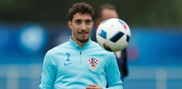 Sime Vrsaljko teve sua contratação oficializada pelo Atlético de Madri