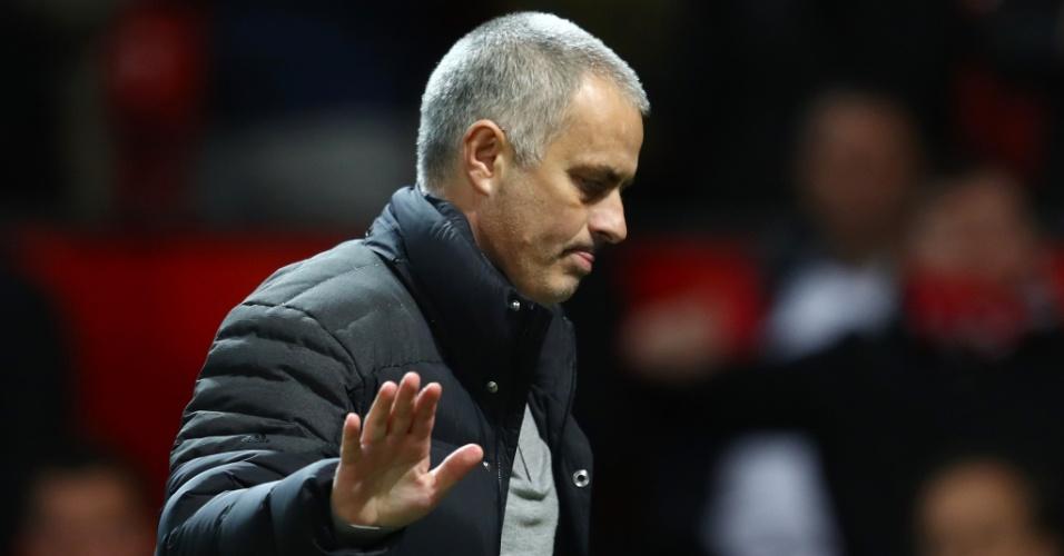 José Mourinho acompanha partida do Manchester United