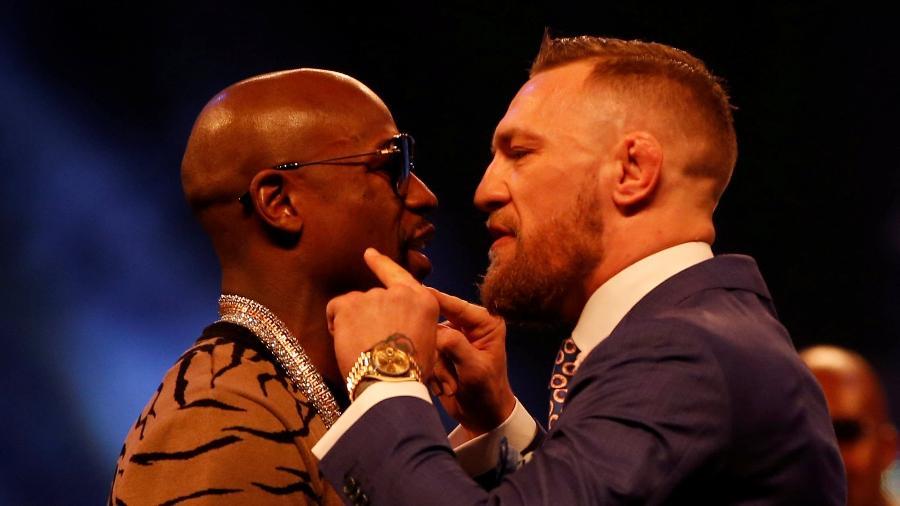 Mayweather e McGregor se encararam em Londres - Reuters/Paul Childs