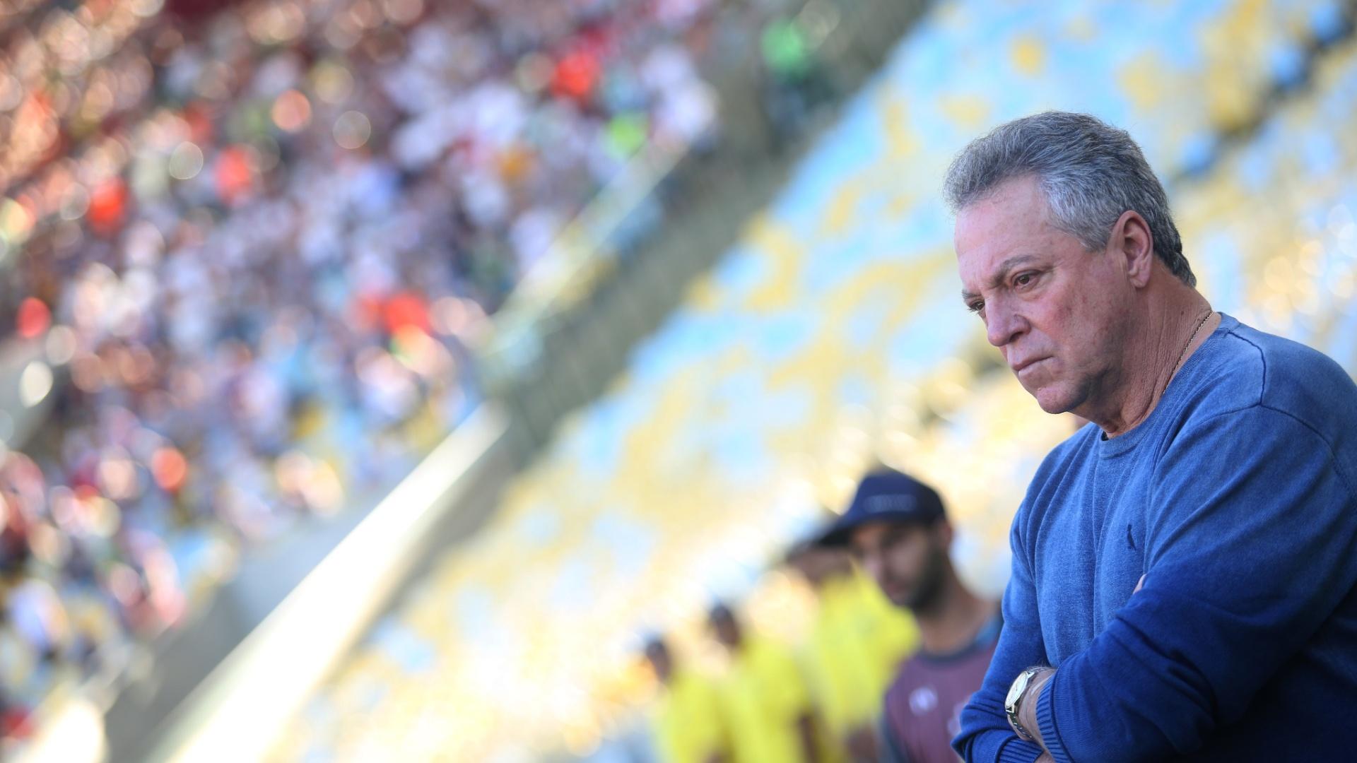 Abel observa partida entre Fluminense e Vasco