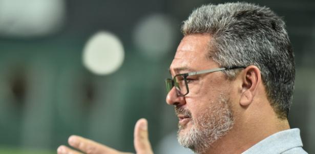 """Micale comentou o modelo de futebol de Diniz: """"que não se recupere nesse jogo"""" - André Yanckous/AGIF"""