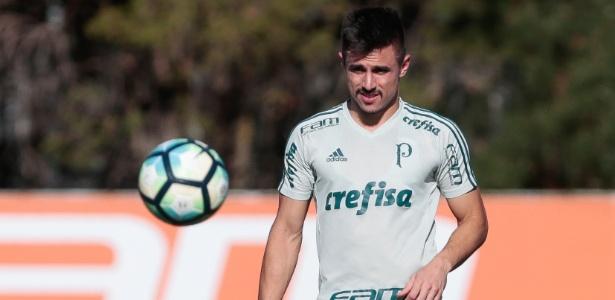 Willian treinou como titular pela ponta e desbancou Guerra - Marcello Zambrana/AGIF