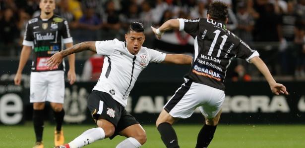 Ralf em ação pelo Corinthians após o retorno: atuação segura contra o Bragantino - Marcello Zambrana/AGIF