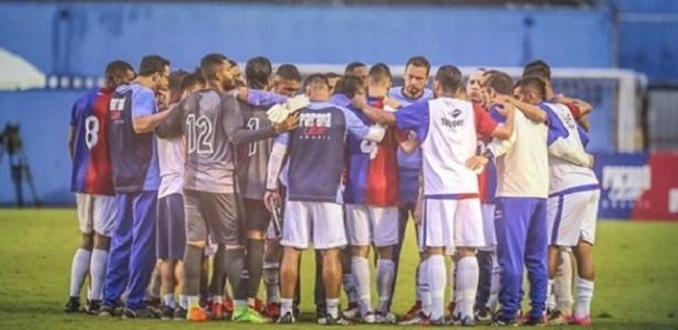 Jogadores do Paraná após eliminação no Paranaense: vem aí o Brasileirão