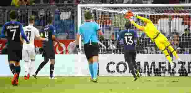 d0b68fbcf3 Goleiro do PSG brilha em empate entre Alemanha e França na Liga das Nações