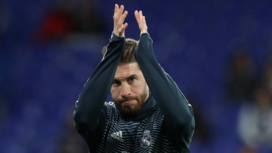 Com dores após uma pancada no primeiro contra o Espanyol, Sergio Ramos foi substituído no intervalo - Albert Gea/Reuters