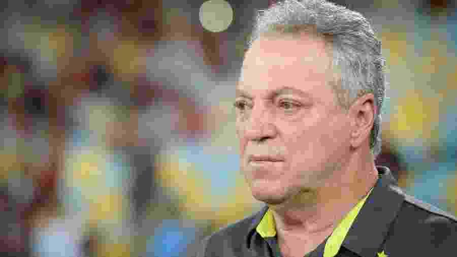 Abel Braga, técnico do Flamengo, em jogo contra o Madureira no Maracanã - Alexandre Vidal/Flamengo