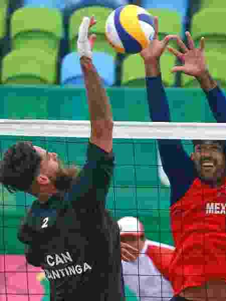 Michael Plantinga joga com o dedo quebrado no vôlei de praia - Jose Barragan / Lima 2019