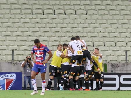 Corinthians X Fortaleza Onde Assistir Escalacoes O Que Esperar Do Jogo 26 08 2020 Uol Esporte