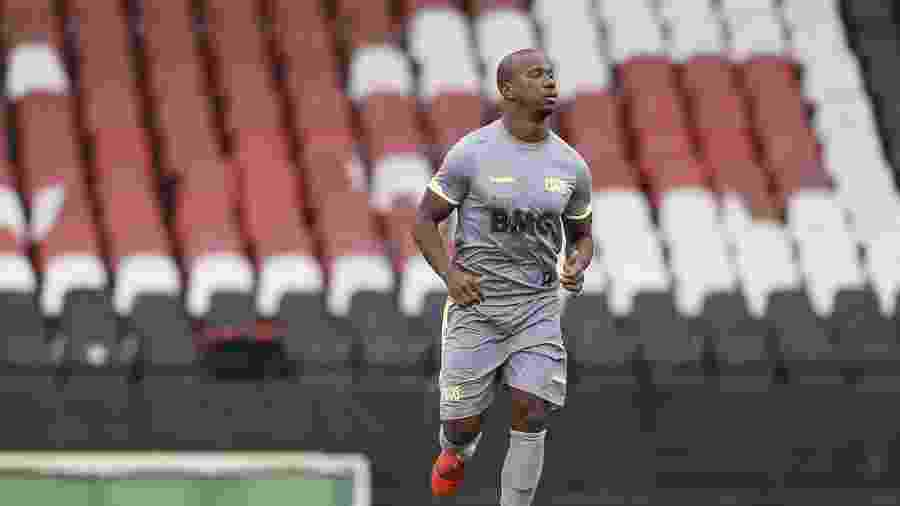 Atacante Ribamar ganhou a confiança do técnico Vanderlei Luxemburgo e tornou-se titular do Vasco - Rafael Ribeiro/Vasco