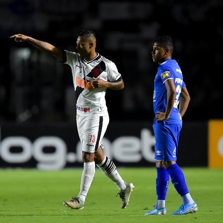 Guarín comemora gol do Vasco contra o Cruzeiro - Thiago Ribeiro/AGIF