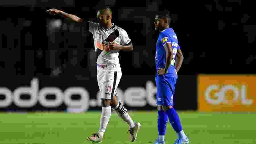 Autor do gol da vitória sobre o Cruzeiro, Guarín será desfalque no Vasco diante do Bahia - Thiago Ribeiro/AGIF
