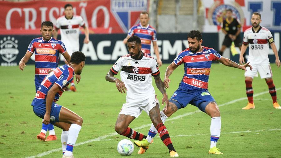 Flamengo, do volante Gerson, e Fortaleza duelaram Castelão pela 27ª rodada do Campeonato Brasileiro  - Kely Pereira/AGIF