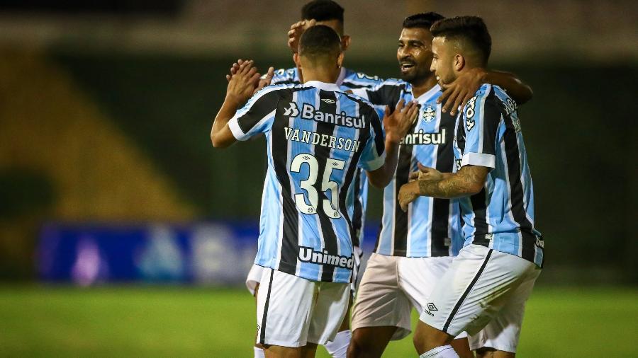 Jogadores do Grêmio comemoram gol na partida contra o Ypiranga, pelo Campeonato Gaúcho - LUCAS UEBEL/GREMIO FBPA