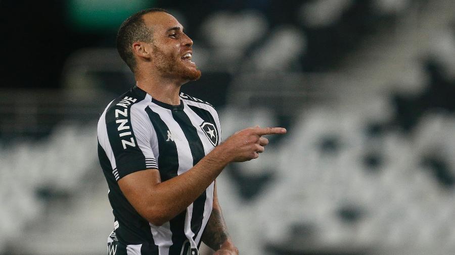 Volante Pedro Castro comemora gol do Botafogo sobre o Macaé - Vitor Silva/Botafogo