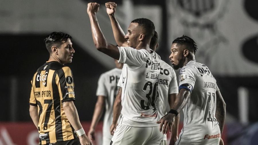 Santos venceu o The Stronges por 5 a 0 no primeiro duelo - Ivan Storti - SANTOS FC