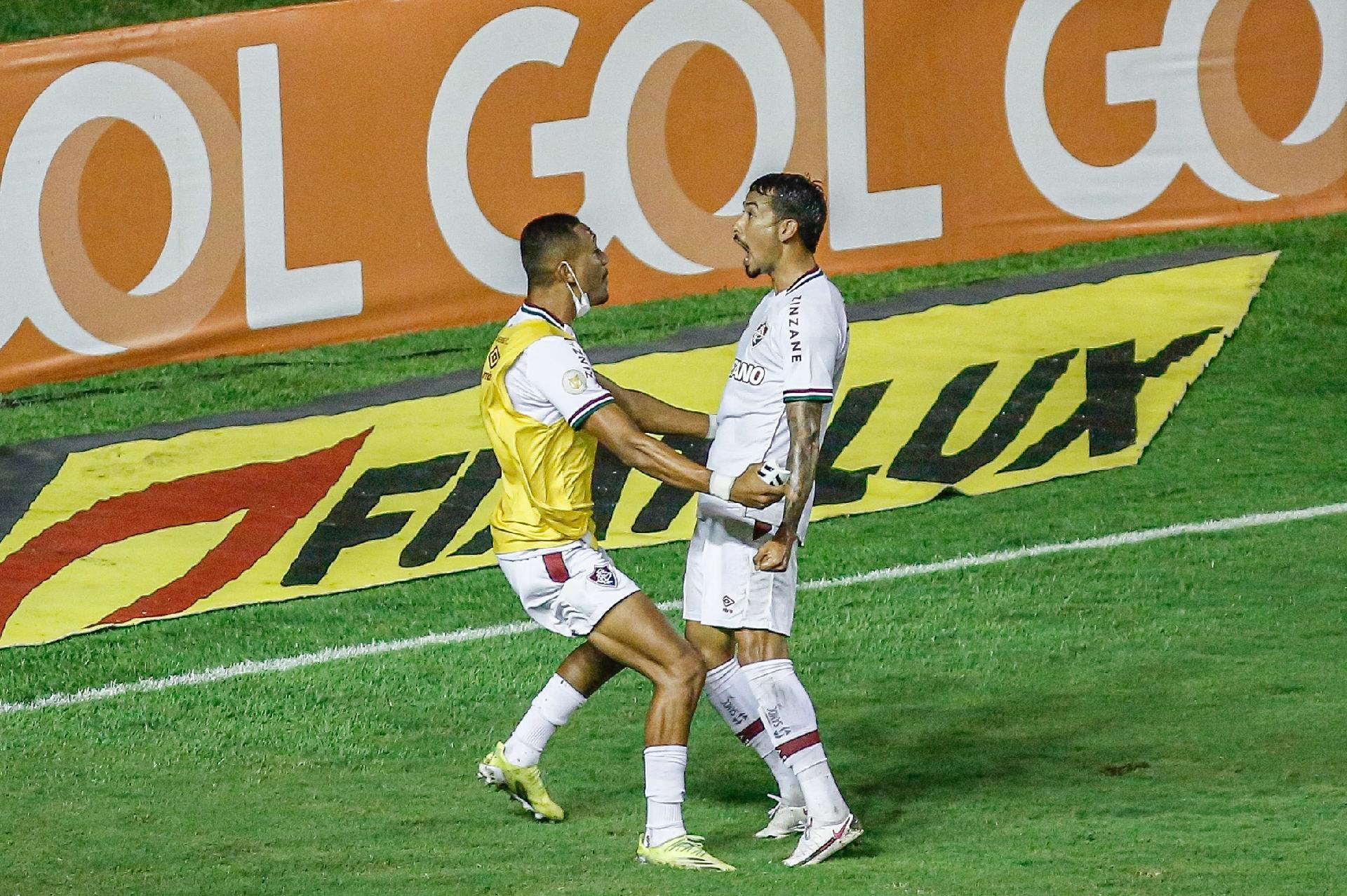 Lucca celebra o seu primeiro gol pelo Fluminense no duelo contra o Sport, na Ilha do Retiro, pelo Brasileirão 2021