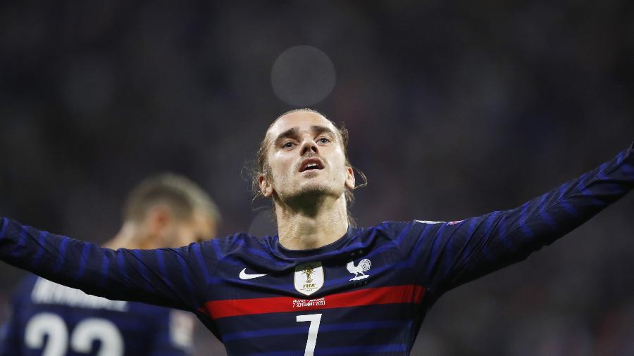 Antoine Griezmann comemora gol da França contra a Finlândia, pelas Eliminatórias da Copa do Mundo de 2022 - REUTERS