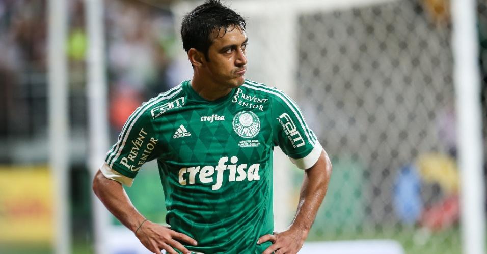 Robinho voltou de lesão e deu passe importante para Lucas Barrios abrir o placar para o Palmeiras contra o Fluminense pela Copa do Brasil