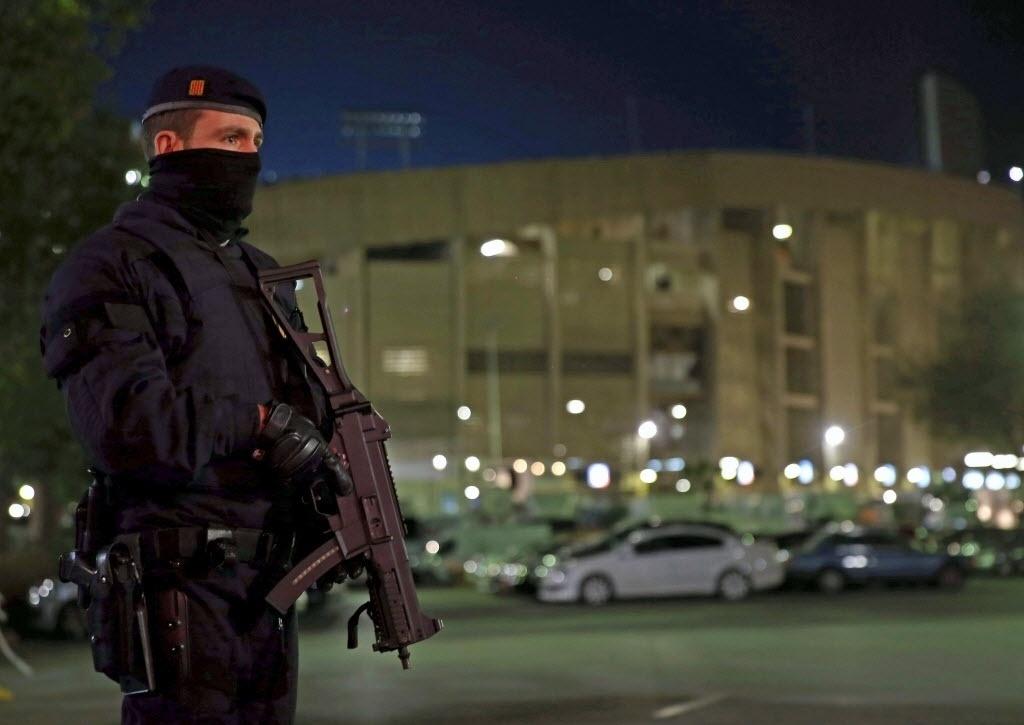 Barcelona reforçou segurança no entorno do Camp Nou, para partida contra Roma