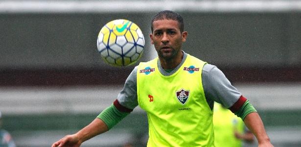 Pierre voltou a treinar no Fluminense após se recuperar de uma lesão