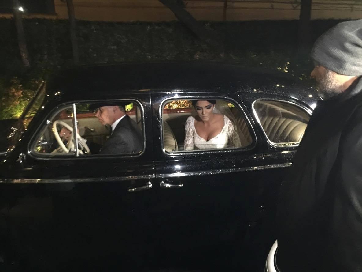 Larissa Saad, noiva de Lucas, na chegada ao casamento