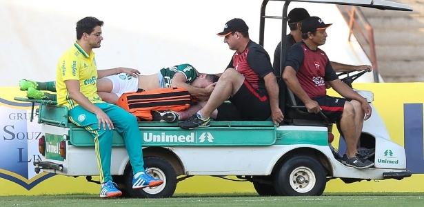 Moisés ficará afastado do futebol por até seis meses