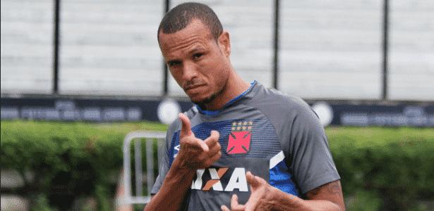 Luis Fabiano traça meta de gols com a camisa do Vasco na temporada ... 68ee6fe1233a7