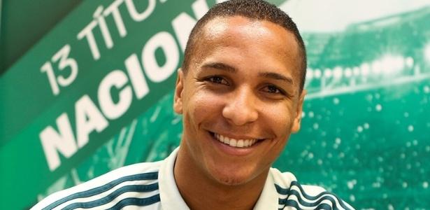 Centroavante Deyverson é o mais recente reforço do Palmeiras