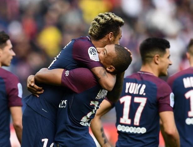 Mbappé voltou a chamar Neymar de irmão e creditou evolução ao apoio do elenco