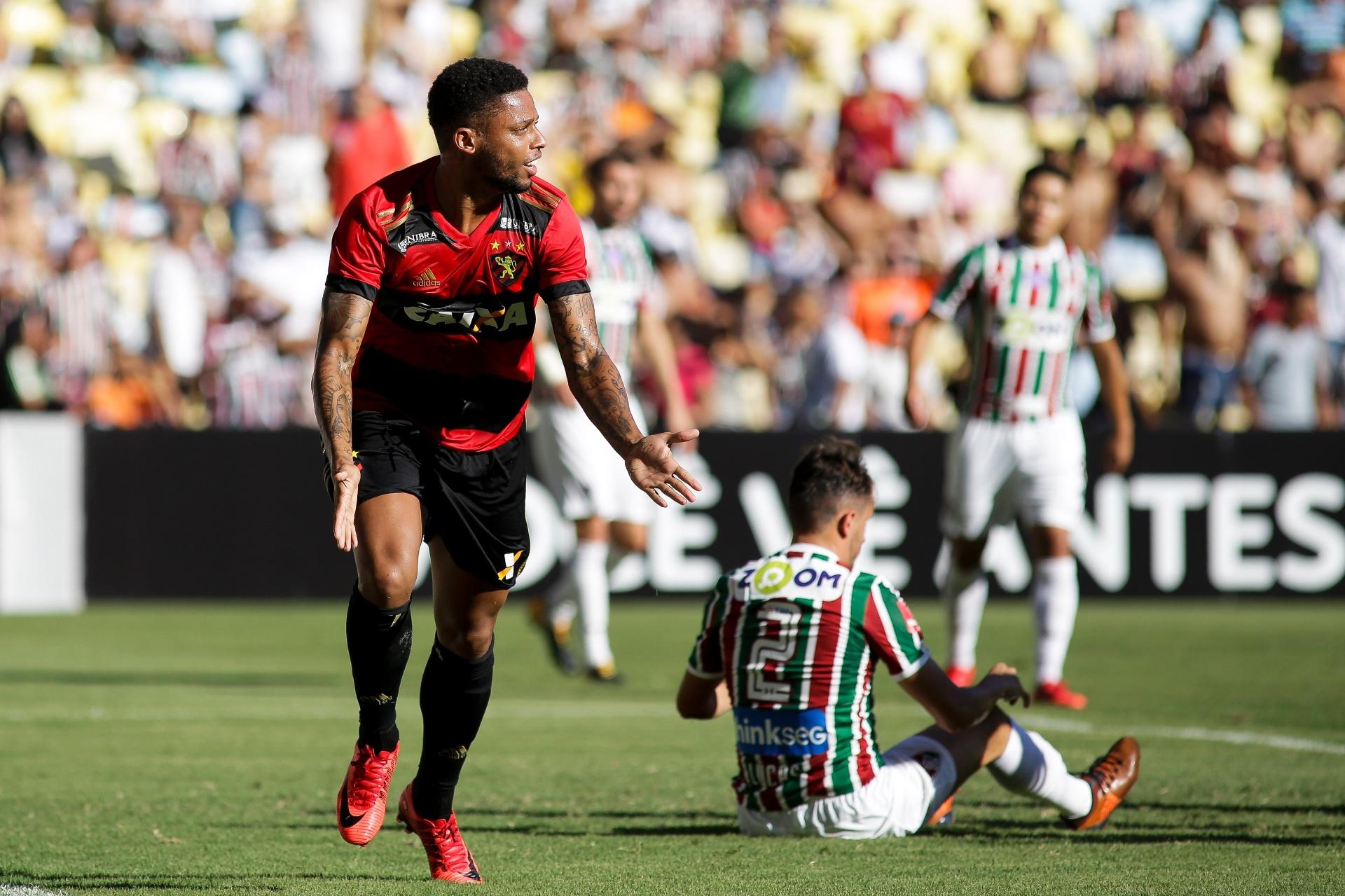 b48b4847eb Sport vence o Fluminense no Maracanã e sai da zona de rebaixamento -  25 11 2017 - UOL Esporte