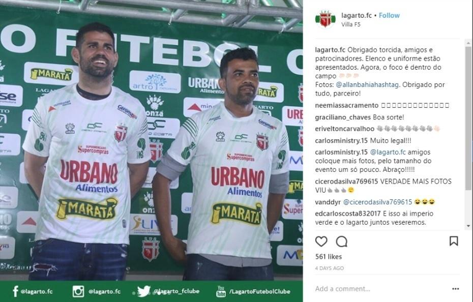 Diego Costa participa de lançamento de camisas do Lagarto, time da cidade em que nasceu
